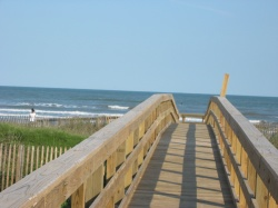 the boardwalk leading from the parking lot to the Gulf Beach
